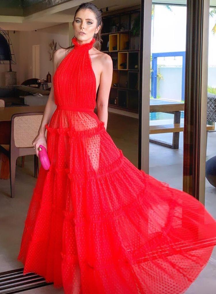 bf3c06b37 Débora Silva esposa do Mano Walter usou um vestido vermelho avassalador que  roubou a cena.